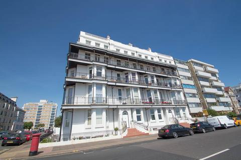 2 bedroom flat for sale - Grand Parade, Eastbourne