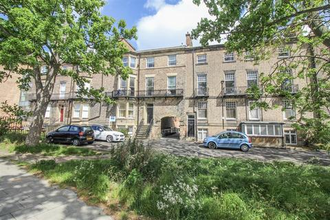 2 bedroom flat - Newcastle Terrace, Tynemouth