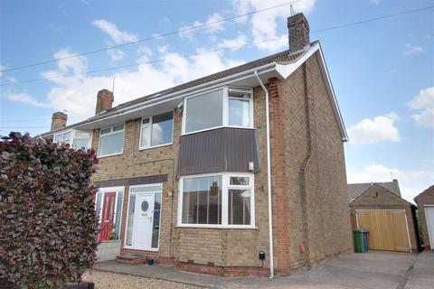 3 bedroom semi-detached house for sale - Easenby Avenue, Kirk Ella, Hull