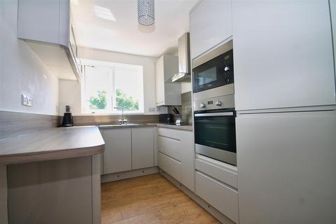 2 bedroom apartment for sale - Winston Avenue, Branksome, Poole