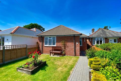 4 bedroom detached bungalow for sale - Winifred Road, Oakdale, Poole