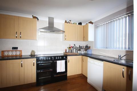 3 bedroom semi-detached house for sale - Bullion Close, Paddock Wood, Tonbridge