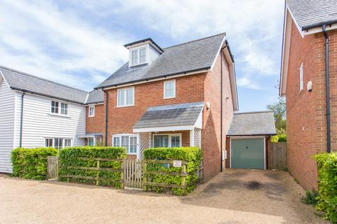 3 bedroom semi-detached house for sale - Knoll Court High Street, St Margarets-At-Cliffe