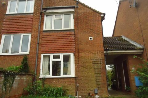 2 bedroom end of terrace house to rent - Twigden Court, Luton