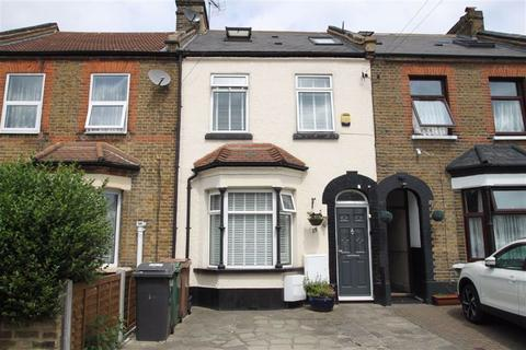 4 bedroom terraced house for sale - Ainslie Wood Road, Chingford