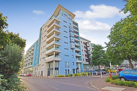 2 bedroom apartment to rent - Sapphire Court, Ocean Way, Ocean Vilage Southampton, SO14 3JW