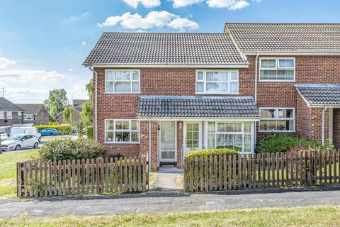 2 bedroom maisonette to rent - Hilary Close, Aylesbury, HP21