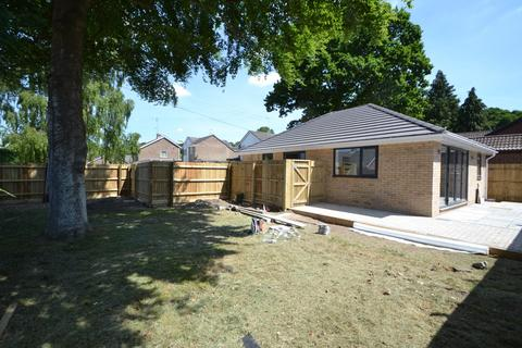 2 bedroom bungalow for sale - Ringwood