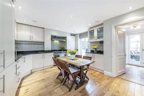 2 bedroom flat to rent - Cologne Road, SW11