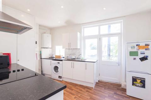 4 bedroom apartment to rent - Fortess Road, Kentish Town