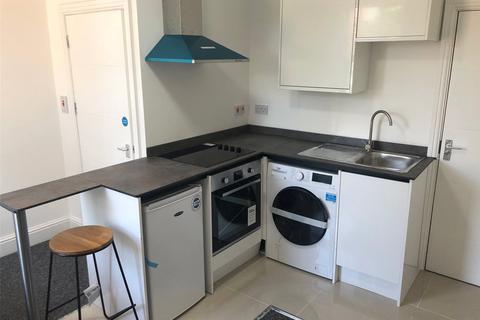 Studio to rent - Bewdley Road, Kidderminster, DY11