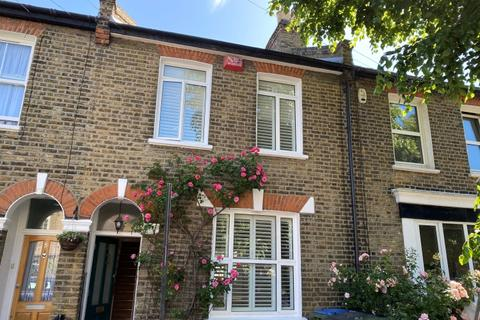 3 bedroom house to rent - Furzefield Road Blackheath SE3
