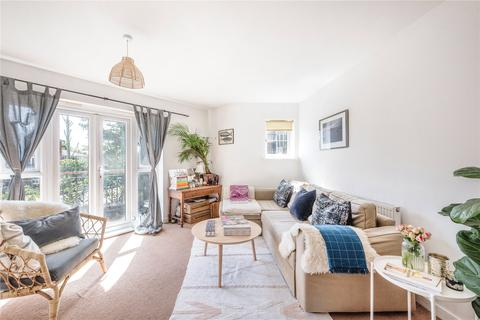 2 bedroom flat for sale - Damson House, Hemlock Close, London, SW16