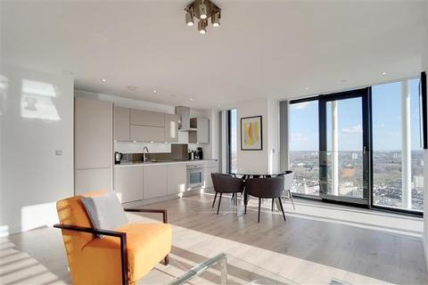 2 bedroom apartment to rent - Stratosphere Tower, Stratosphere, E15