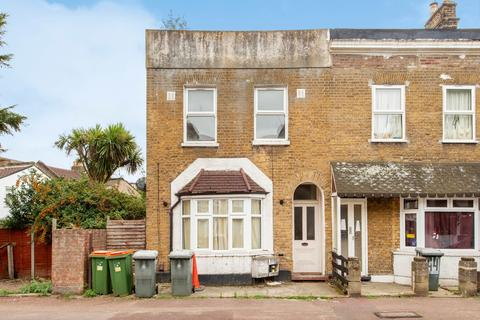 3 bedroom flat to rent - Forest Road, Forest Gate, E7