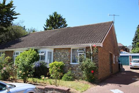 2 bedroom bungalow to rent - Wantley Road, Findon BN14