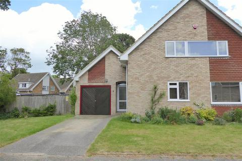 3 bedroom detached house for sale - Repton Close, Broadstairs, Kent