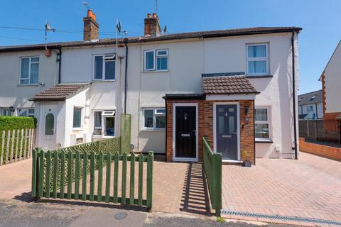 2 bedroom terraced house for sale - Somerset Road, Farnborough, GU14