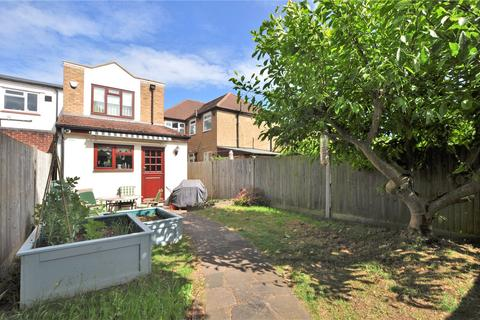 3 bedroom detached house for sale - Penton Avenue, Staines-upon-Thames, Surrey, TW18