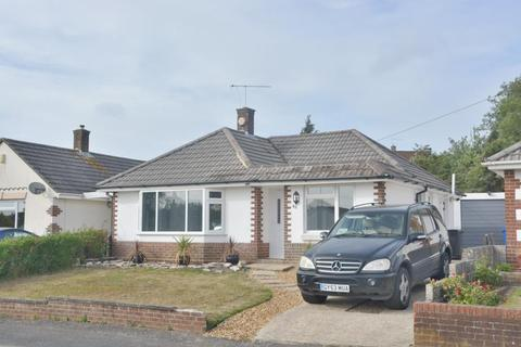 3 bedroom detached bungalow for sale - Bridport Road, Parkstone, Poole, BH12 4BY