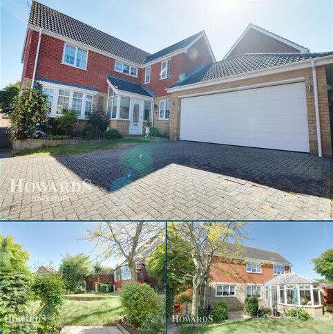 4 bedroom detached house for sale - Leonard Drive, Lowestoft