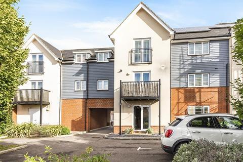 1 bedroom ground floor flat for sale - Castlerigg Way, Maidenbower, Crawley, West Sussex. RH10 7GE