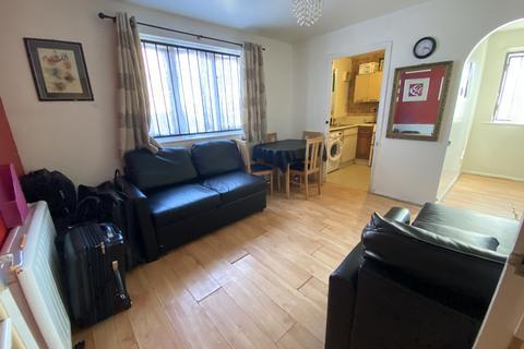1 bedroom ground floor flat to rent - Greenslade Road , Barking IG11