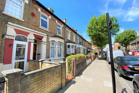 3 bedroom house to rent - St. Martins Avenue, East Ham, E6
