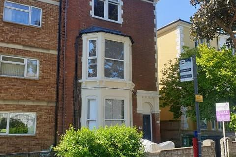Studio to rent - Campbell Road, Southsea, PO5