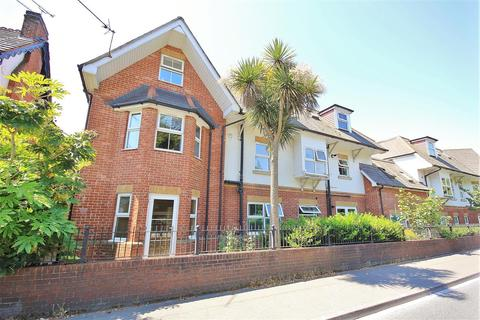 2 bedroom apartment to rent - Rushton Crescent, Bournemouth