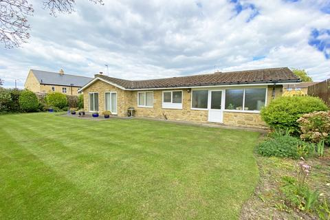 3 bedroom detached bungalow for sale - Walton Park, Pannal, Harrogate