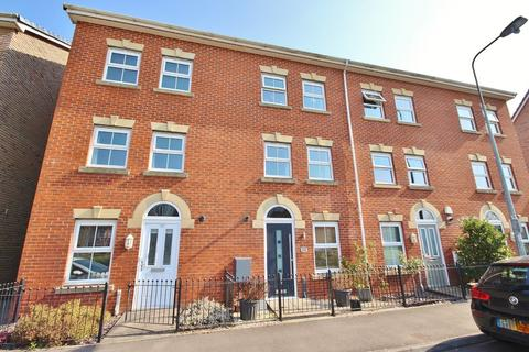 3 bedroom terraced house for sale - De Clare Drive, Radyr, Cardiff