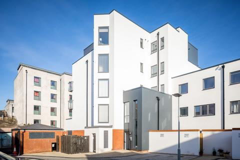 2 bedroom apartment to rent - Duke of Wellington Court, Fishers Lane, Cheltenham GL52 2AT