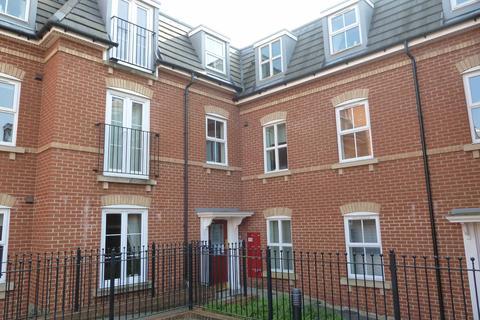 3 bedroom apartment to rent - Kimmeridge Court, Ripley Road, Swindon, Swindon, Wiltshire, SN1