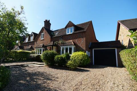 4 bedroom semi-detached house to rent - Old Merrow Street, Guildford
