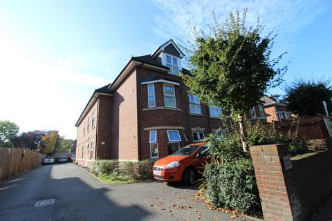 2 bedroom flat to rent - Richmond Park Road, Charminster,