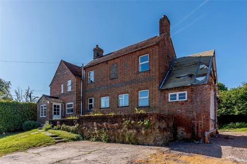 5 bedroom detached house for sale - Mount Road, Highclere, Newbury, Hampshire, RG20