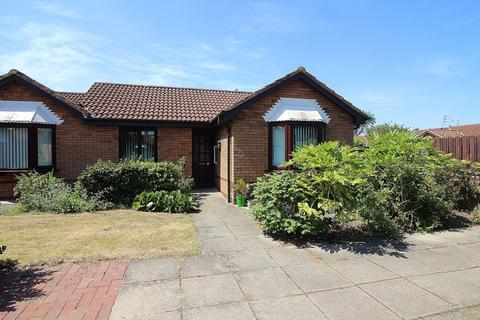 2 bedroom bungalow for sale - The Woodlands, Southport
