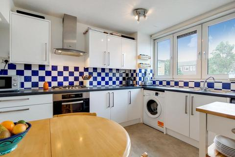 2 bedroom flat for sale - Astra House, Alfred Street, London E3