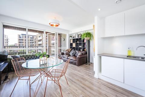 1 bedroom flat - Minnie Baldock Street, London E16