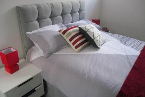 2 bedroom flat to rent - School Apartments, Captain Street, Bradford