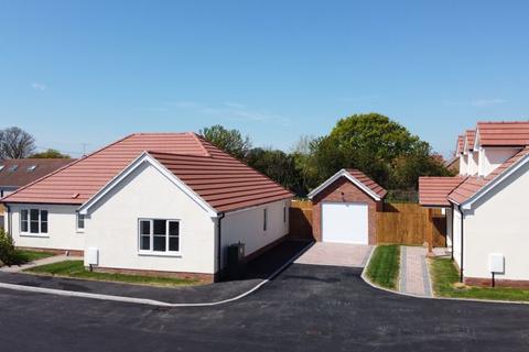 3 bedroom detached bungalow for sale - Aingers Green, Great Bentley