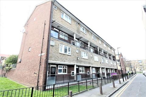 3 bedroom maisonette to rent - Roberta Street, Bethnal Green, London E2