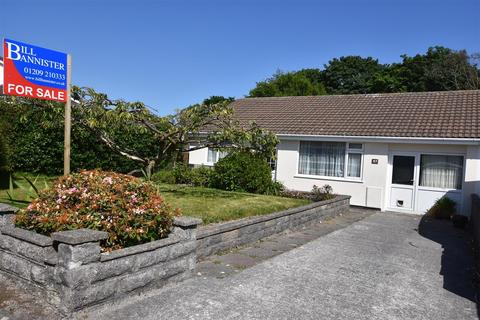 2 bedroom bungalow for sale - Tresithney Road, Carharrack, Redruth