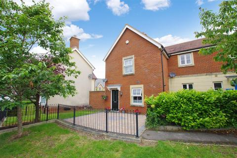 3 bedroom end of terrace house for sale - Eastbury Way, Redhouse, Swindon