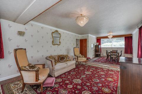 2 bedroom flat for sale - Marcourt Lawns, 14 Hillcrest Road, London, W5