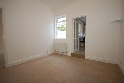 1 bedroom ground floor flat to rent - 11 Manor Road, BECKENHAM, BR3