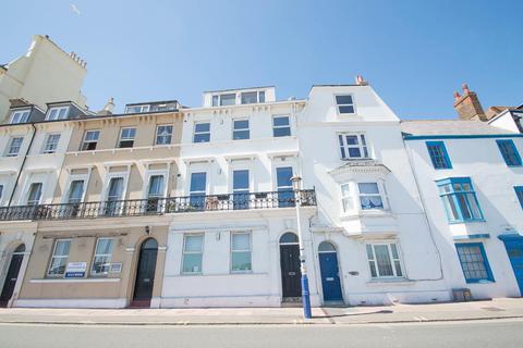 2 bedroom flat for sale - Marine Parade, Eastbourne