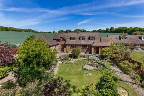 4 bedroom detached house for sale - Westwell, Ashford
