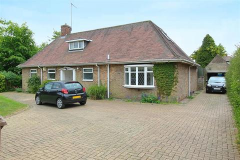 4 bedroom detached bungalow to rent - West Ella Road, Kirk Ella